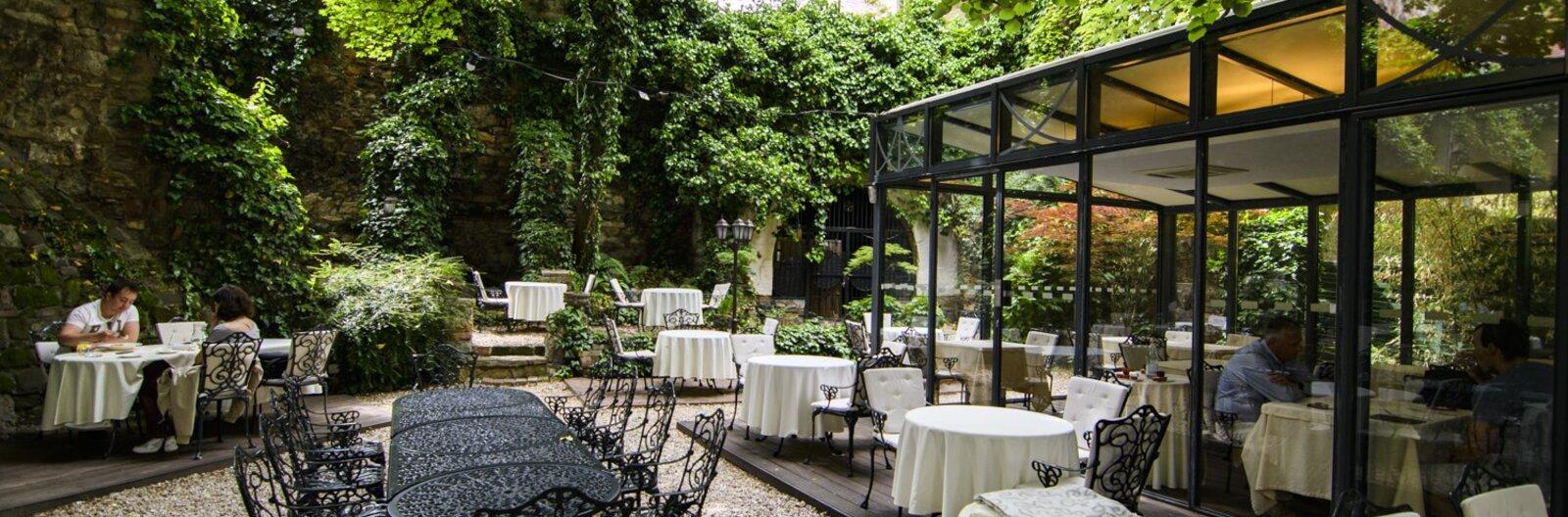éttermi kertek és környéke