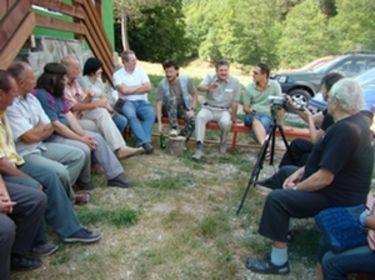 a legújabb táborok kapcsolatban állnak egymással)