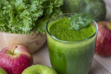 természetes gyümölcslevek méregtelenítésre és fogyásra