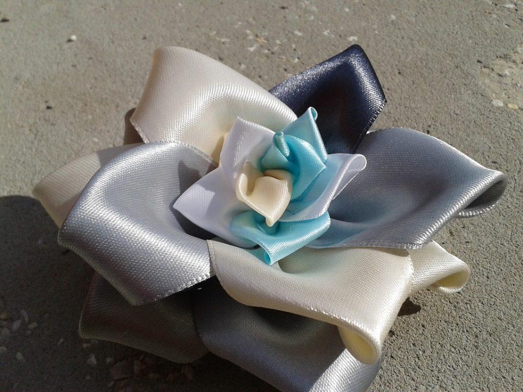 Csipke szalag elasztikus 3 cm széles virág mintával