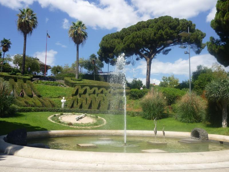Szicília, Giardini-Naxos: leírás, szolgáltatások, szállodák, látnivalók és visszajelzések