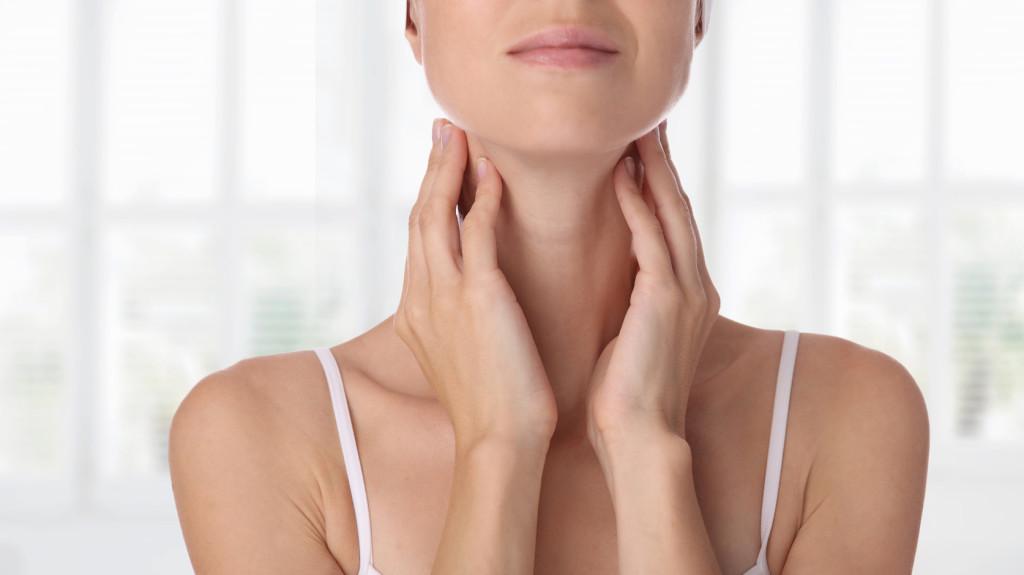 Hogyan kezelik a nyaki szemölcsöket)